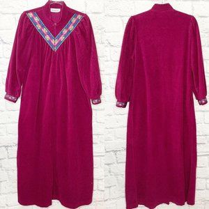 VTG Vanity Fair Housecoat Robe Burgundy Velour